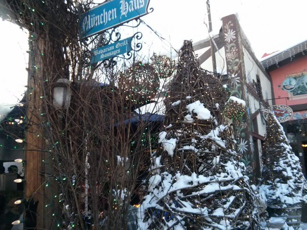 It's just something you ought to do while in a bravian village, esp in the winter , you eat a bratwurst.